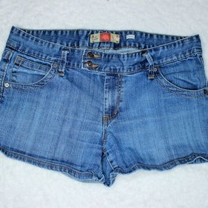 Cute Old Navy Jean Shorts w Stretch 14